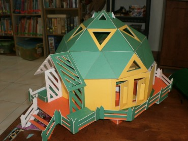 Energy Efficient Geodesic Model House